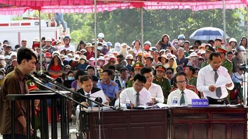 Xét xử vụ thảm sát ở Bình Phước: Dương và Tiến bật khóc khi bị đề nghị án tử hình ảnh 7