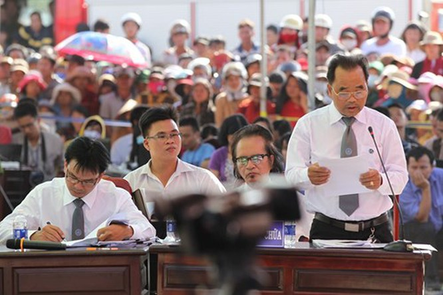 Xét xử vụ thảm sát ở Bình Phước: Dương và Tiến bật khóc khi bị đề nghị án tử hình ảnh 8