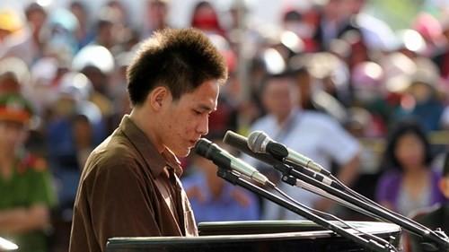 Xét xử vụ thảm sát ở Bình Phước: Dương và Tiến bật khóc khi bị đề nghị án tử hình ảnh 3