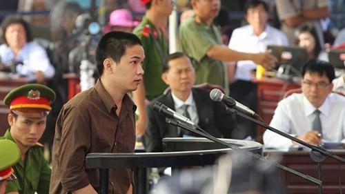 Xét xử vụ thảm sát ở Bình Phước: Dương và Tiến bật khóc khi bị đề nghị án tử hình ảnh 27