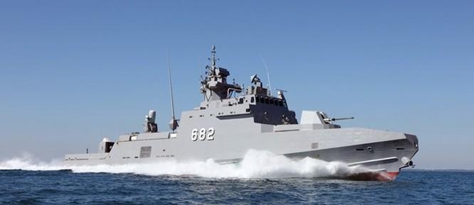 Xem tàu Rolldock Star chở 2 tàu tên lửa từ Mỹ về Ai Cập ảnh 4