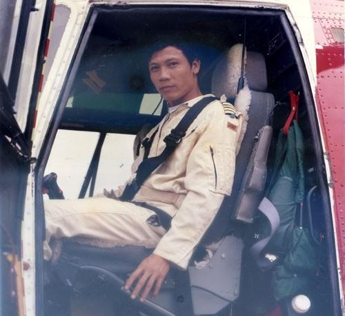 Phi công Vũ Thành Cung trong những ngày tham gia bay dầu khí cho Na Uy.