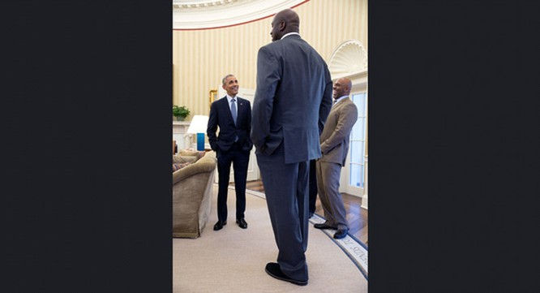 Những khoảnh khắc ấn tượng của ông Obama ảnh 13