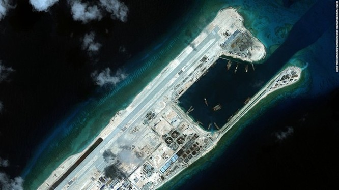 Trong 4 ngày, máy bay Trung Quốc đã bay 2 chuyến tới đá Chữ Thập ảnh 1