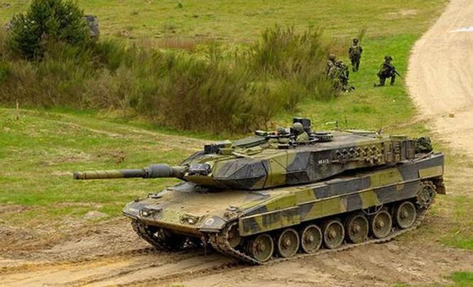Clip choáng ngợp xe tăng Đức dùng tốc độ vượt hào chống chiến xa ảnh 2