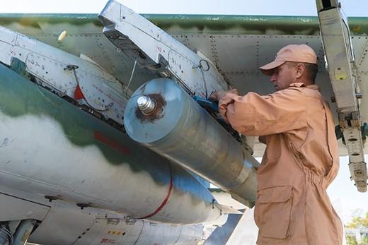 Bom KAB lắp trên Su-25 là loại bom xuất xưởng đã trên 30 năm. Ảnh: Sputnik