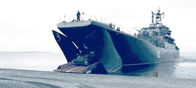 Clip một cuộc đổ bộ đường biển đầy sức mạnh của Hạm đội Phương Bắc Nga ảnh 1