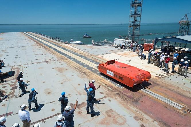 Video quá trình chế tạo siêu tàu sân bay lớp Gerald R. Ford ảnh 13