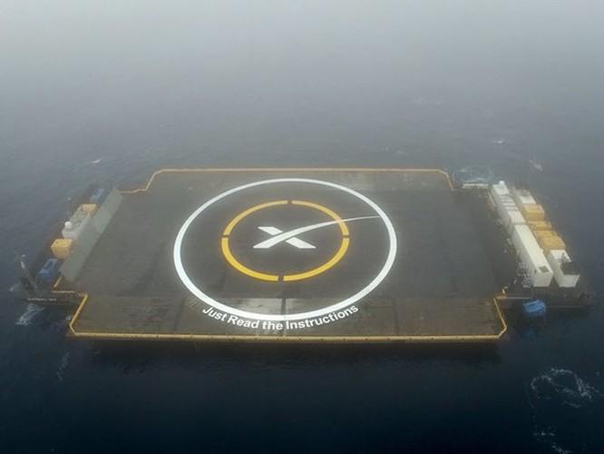 Clip tên lửa đẩy Falcon-9 đáp xuống dàn phóng ở biển thất bại ảnh 2