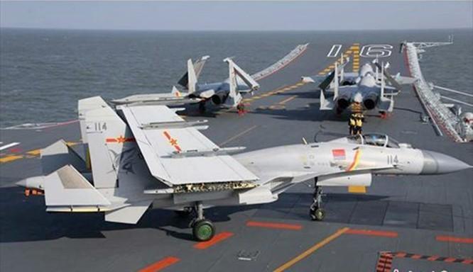 Clip tàu sân bay Trung Quốc thua xa tàu sân bay Nga ảnh 1