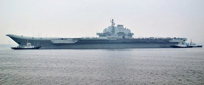 Clip tàu sân bay Trung Quốc thua xa tàu sân bay Nga ảnh 2