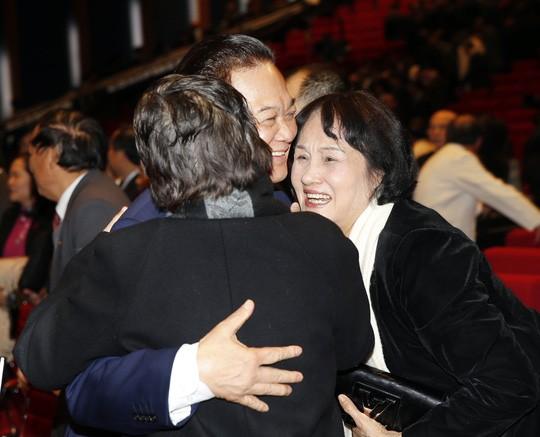 Hình ảnh xúc động của Thủ tướng lúc bế mạc Đại hội XII ảnh 4