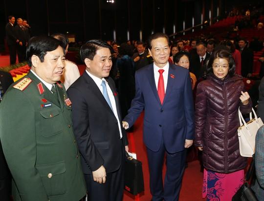 Hình ảnh xúc động của Thủ tướng lúc bế mạc Đại hội XII ảnh 2