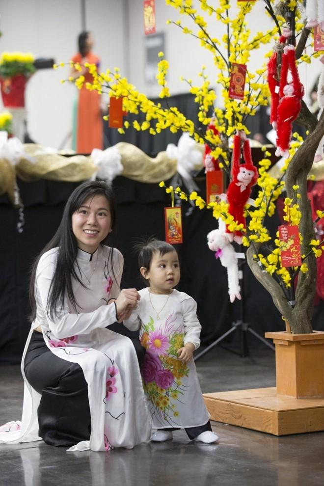 Người Việt ở Mỹ náo nức đón Tết cổ truyền ảnh 7