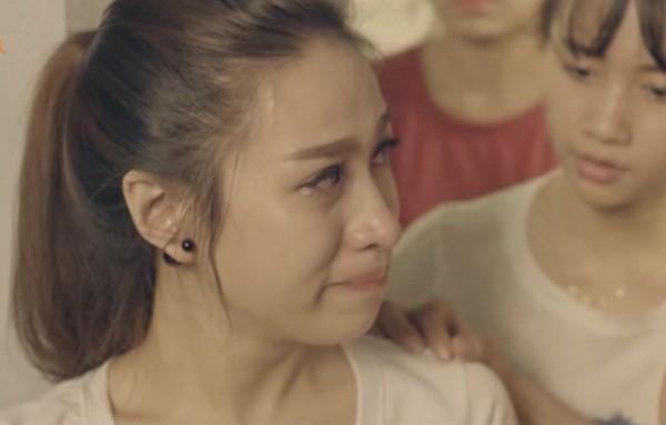 Loạt hình ảnh trong MV Tết gây xúc động mạnh trong lòng khán giả ảnh 3