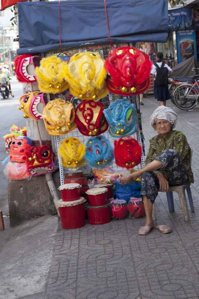 Sài Gòn rộn ràng lân tết ảnh 4