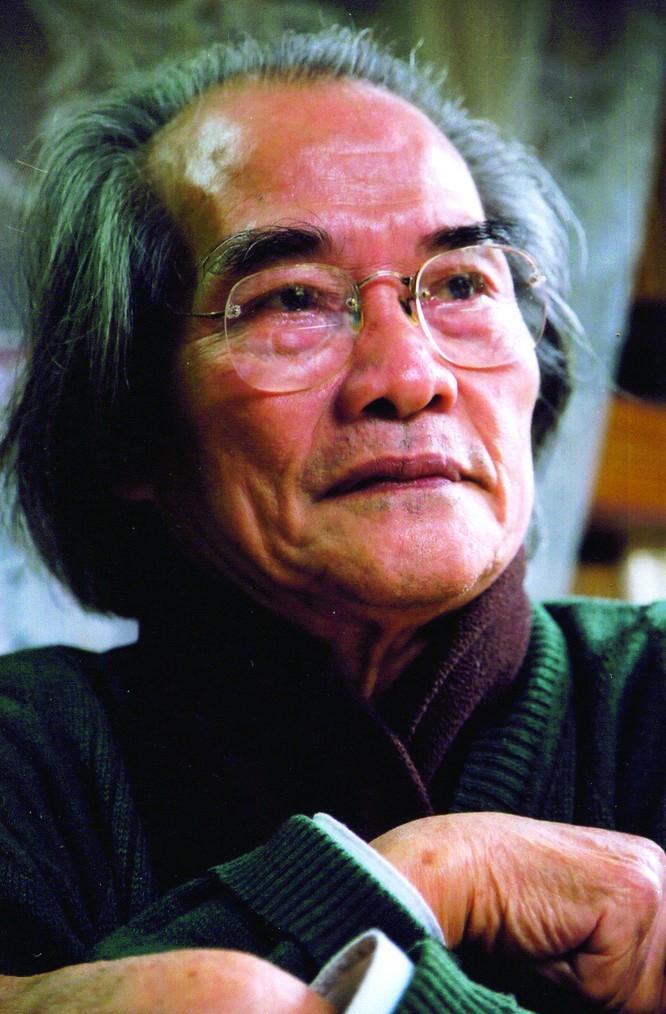 Chân dung nhà văn Sơn Tùng