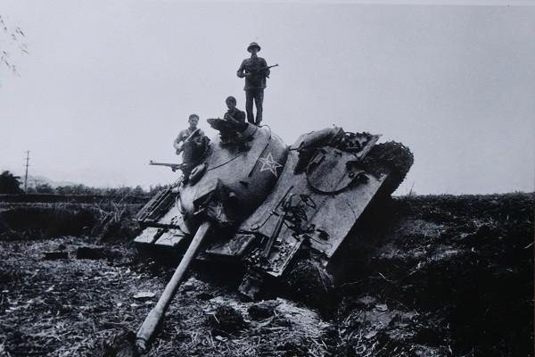 Xe tăng Trung Quốc bị bắn cháy trong cuộc chiến biên giới 1979