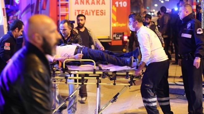 Đánh bom tại thủ đô của Thổ Nhĩ Kỳ, gần 90 người thương vong ảnh 1
