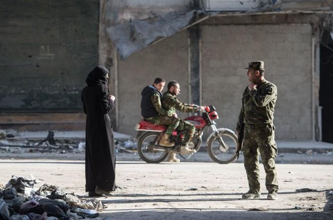 Cuộc sống trong làn đạn ở Aleppo ảnh 4