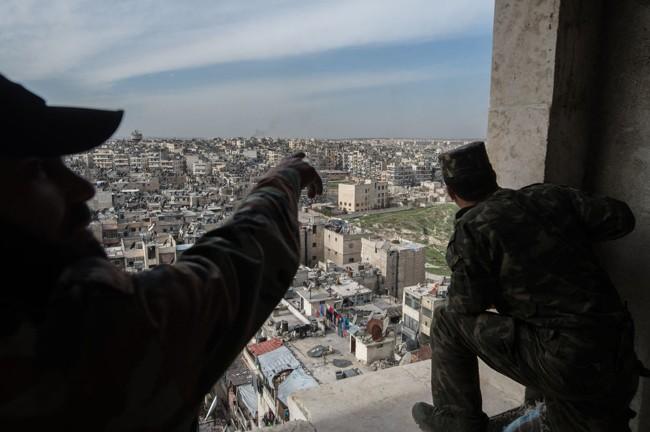 Cuộc sống trong làn đạn ở Aleppo ảnh 7