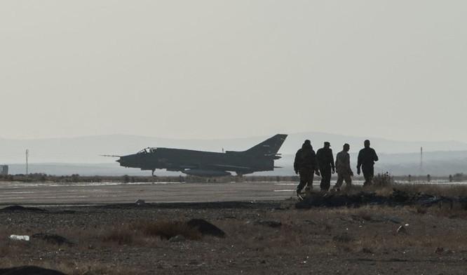 Ảnh căn cứ không quân của quân đội Syria ở tỉnh Homs ảnh 1
