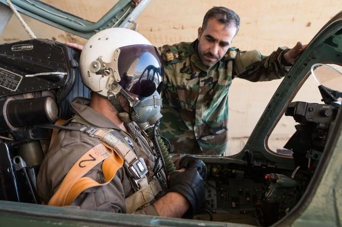 Ảnh căn cứ không quân của quân đội Syria ở tỉnh Homs ảnh 2