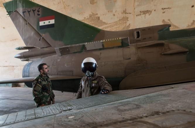 Ảnh căn cứ không quân của quân đội Syria ở tỉnh Homs ảnh 5