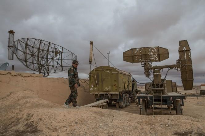 Ảnh căn cứ không quân của quân đội Syria ở tỉnh Homs ảnh 9