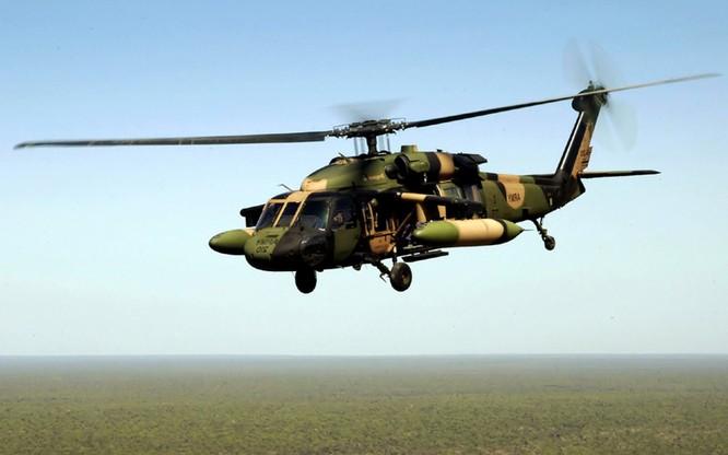"""Video Uy lực đáng sợ trực thăng """"diều hâu đen"""" UH-60 của Mỹ ảnh 3"""