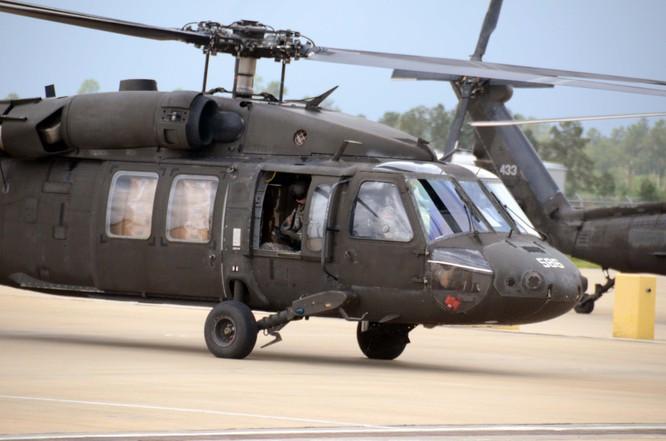 """Video Uy lực đáng sợ trực thăng """"diều hâu đen"""" UH-60 của Mỹ ảnh 5"""