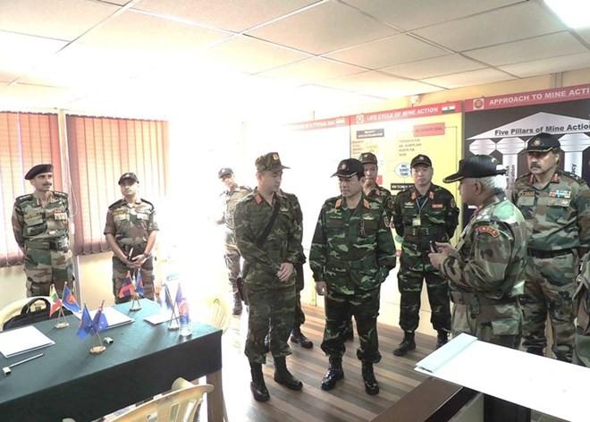 Hình ảnh quân đội Việt Nam tham gia diễn tập thực binh quốc tế FORCE 18 ảnh 8