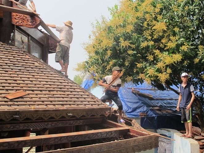 Thợ từ Bắc Ninh vào tháo dỡ biệt phủ không phép trên núi Hải Vân ảnh 1