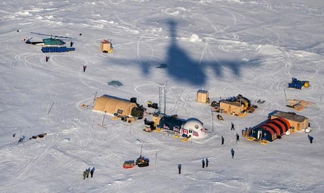 Video tàu ngầm hạt nhân Mỹ phá băng Bắc Cực trồi lên ảnh 3