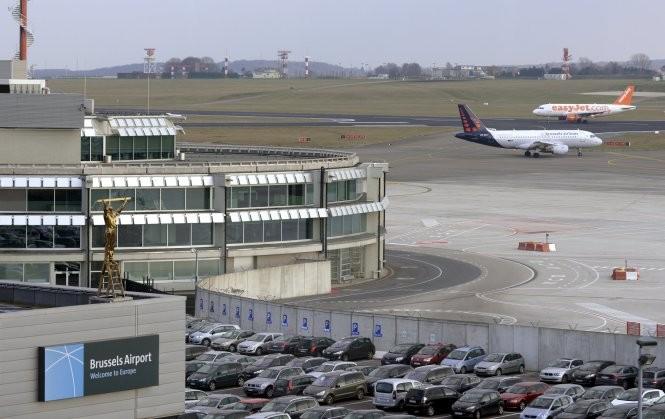 Tấn công khủng bố liên tiếp ở Bỉ: 34 người chết ảnh 11