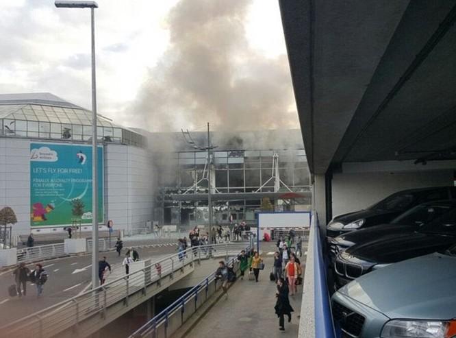Tấn công khủng bố liên tiếp ở Bỉ: 34 người chết ảnh 3