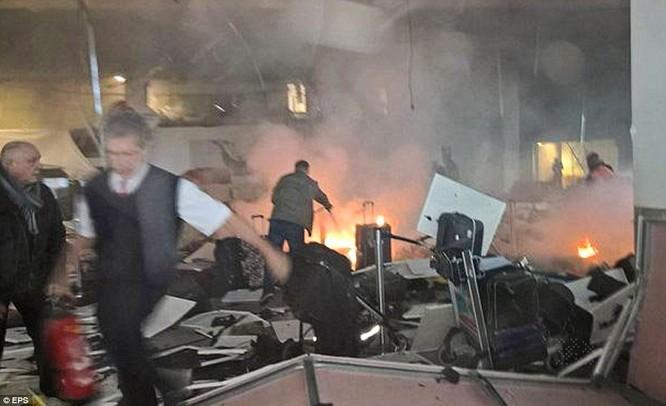 Nổ ở Brussels không phải đánh bom liều chết, 3 nghi phạm đều trốn thoát ảnh 1