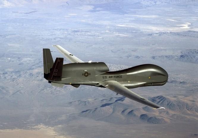 Máy bay lạ xâm nhập bán đảo Kamchatka của Nga ảnh 1