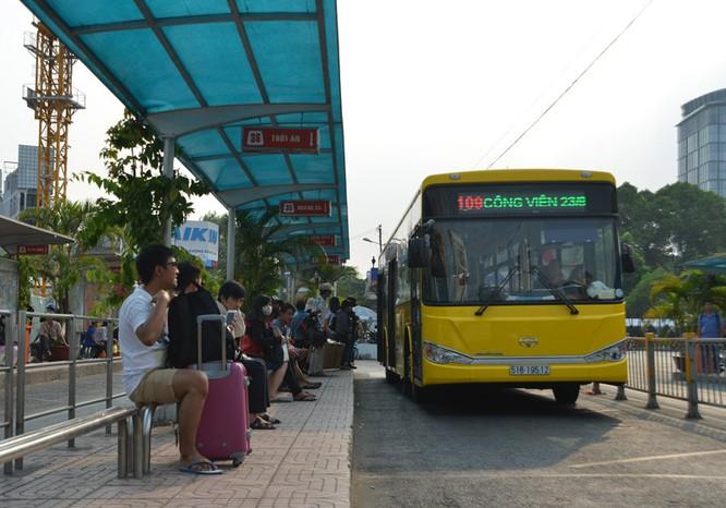 Khám phá xe buýt 5 sao xịn nhất Sài Gòn ảnh 1