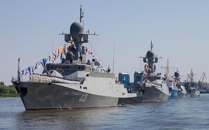 Video tàu chiến Nga lại phóng tên lửa Klub vào quân khủng bố ở Syria ảnh 2