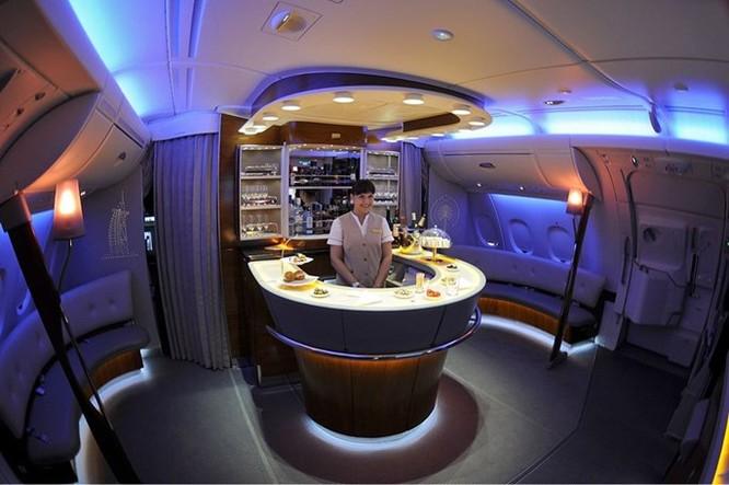 Video Emirates, hãng sở hữu máy bay khổng lồ A380 nhiều nhất thế giới ảnh 1