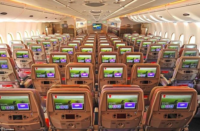 Video Emirates, hãng sở hữu máy bay khổng lồ A380 nhiều nhất thế giới ảnh 2