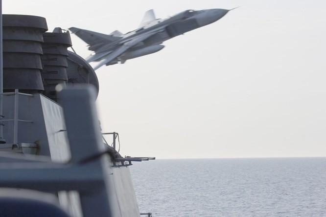 Donald Cook, tàu chiến Mỹ bị Su-24 Nga 'quấy rối' suốt 2 năm ảnh 3