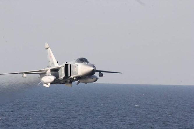 Donald Cook, tàu chiến Mỹ bị Su-24 Nga 'quấy rối' suốt 2 năm ảnh 2