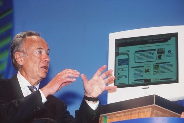 10 năm trước, Intel đã mắc sai lầm khủng khiếp để rồi hôm nay, 12.000 người phải trả giá cho họ ảnh 1