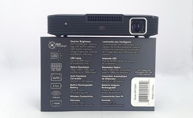 Máy chiếu 100 inch có kích thước như ổ cứng di động ảnh 3