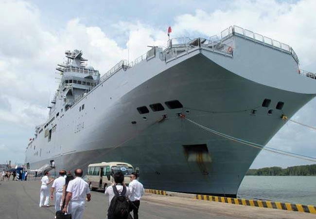 """Sau khu trục hạm Nhật Bản, Pháp điều chiến hạm """"sấm sét"""" tới cảng Cam Ranh ảnh 1"""