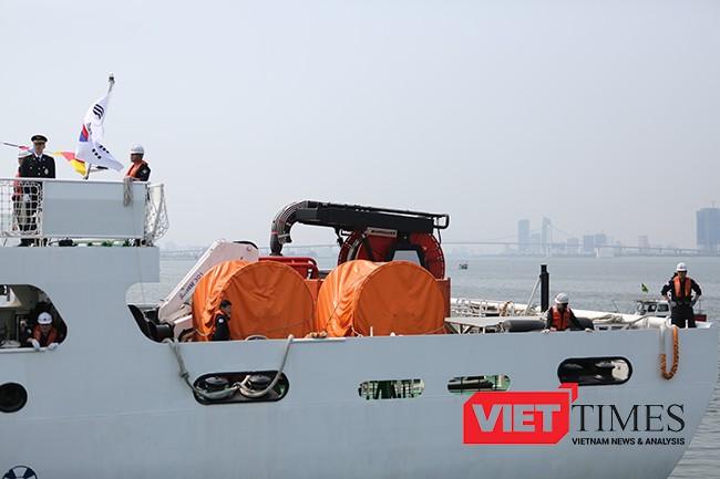 Hệ thống tời đa năng được trang bị phía đuôi tàu