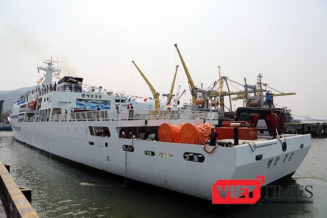 Tàu BADADO (3011HAM) có chiều dài 121n, rộng 16m, lượng giãn nước 4.000 tấn