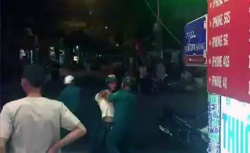 Xôn xao clip dân quân đánh, trấn áp một nhóm thanh niên ảnh 2